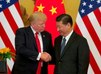 Donald Trump Naikkan Bea Impor China